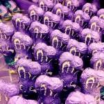 Keine Angst - das Sortiment beim Milka Fabrikverkauf besteht nicht nur aus Schokohasen (Bild: flickr.com)