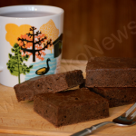 Apfelmus macht die Brownies herrlich saftig!